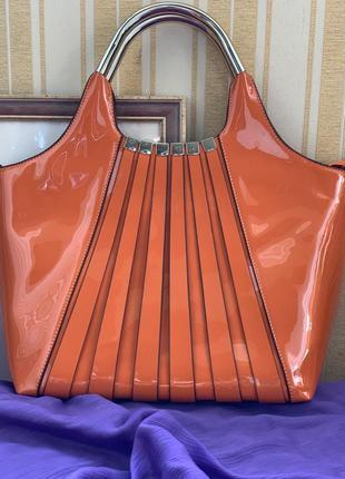 Лаковая сумка от bessie london👜🔥