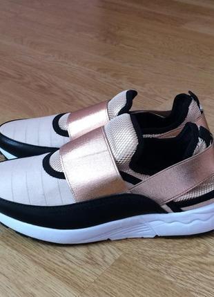Новые кроссовки steve madden 39 размера