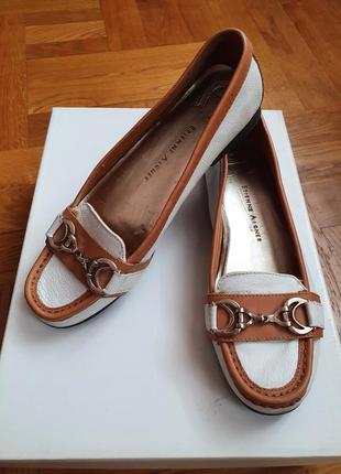 Кожаные белые летние туфли / мокасины от немецкого бренда etienne aigner
