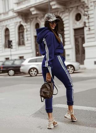 Женский спортивный костюм с лампасами джинсовый