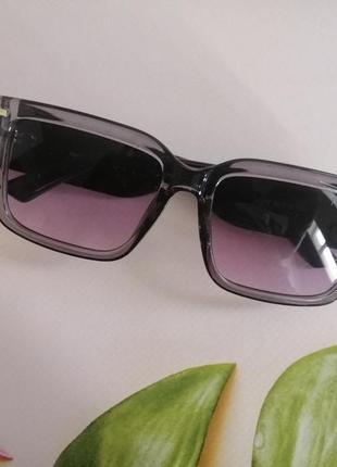 Эксклюзивные брендовые черно серые солнцезащитные очки 20215 фото
