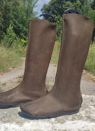 Жіночі дизайнерсі шкіряні чоботи бренду trippen