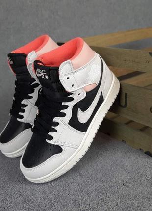 Женские кроссовки nike air jordan 1 retro серые с чёрным с пудрой10 фото