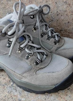Классные демисезонные ботинки hi-tec 24,2 см