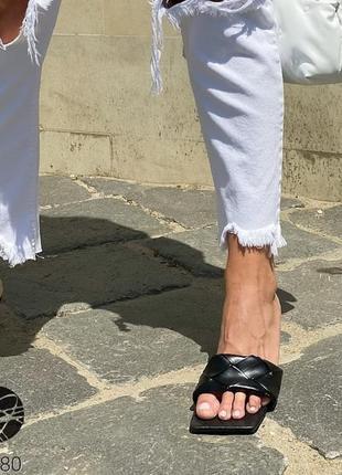 Шикарные шлепанцы на каблуке мюли