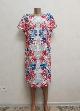 Новое нарядное кружевное платье на подкладке