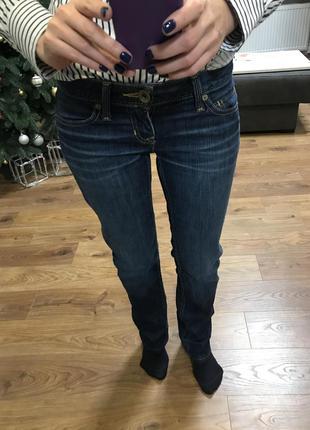 Плотные прямые джинсы dkny 26 р