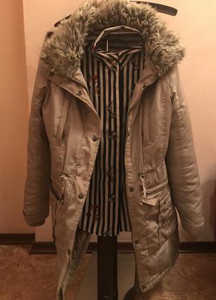 Светлая теплая куртка reserved