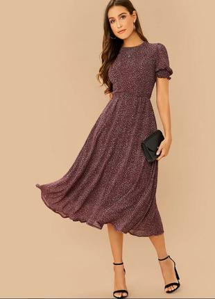 Стильное шифоновое платье с поясом и красивым рукавом