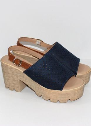 Босоножки женские синие на толстом каблуке