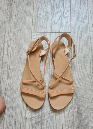 Босоножки сандалии на плоском ходу кожанные