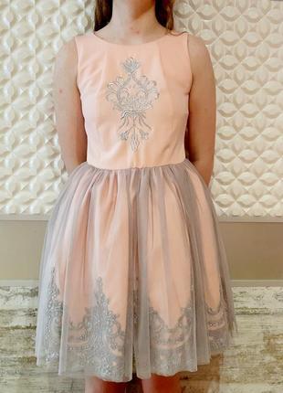 Нарядное пышное платье размер 44 наш tivardo