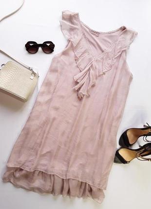 Стильное платье.италия шикарная вышивка кармашки размер 44 евро пог 64 см поб 64 см длина 109 см 100