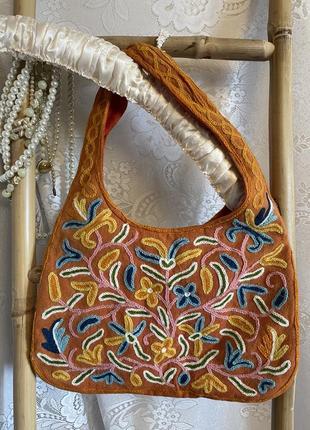 Винтажная яркая необычная шерстяная в цветочный орнамент вышивка сумка сумочка этно бохо хиппи стиль