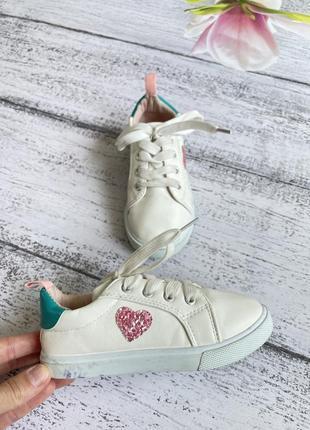 Крутые кроссовки кеды сердечко размер 28(17,5см стелька