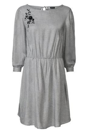 Модный сарафан, с цветочной вышивкой, 100% вискоза от esmara, германия.