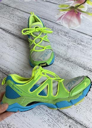 Крутые беговые кроссовки для спорта размер 38(25см стелька)