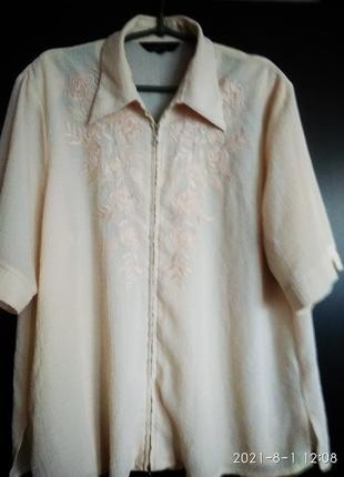 Блузка на замке, материал не мнется