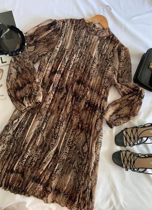 Шифоновое платье в плиссе river island р.10