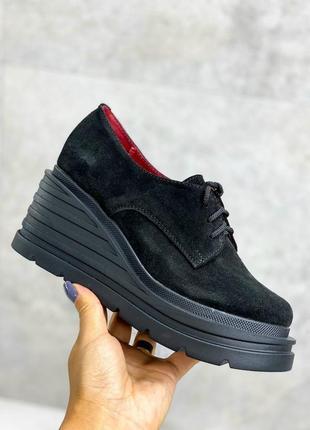36-40 рр туфли, броги на танкетке черные шнурки натуральная замша/кожа2 фото