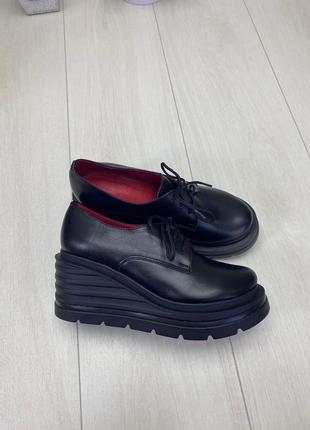 36-40 рр туфли, броги на танкетке черные шнурки натуральная замша/кожа4 фото