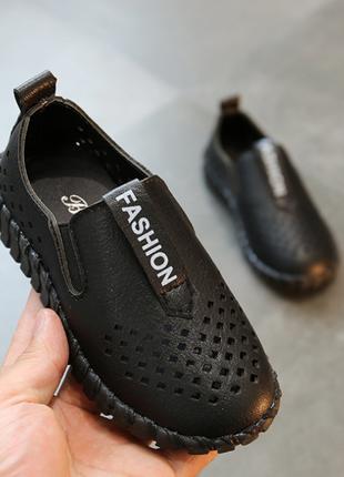Туфлі дитячі дихаючі pu-шкіра fashion . літні туфлі перфоровані .