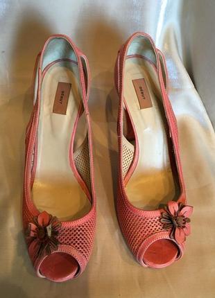 Премиум-бренд. розовые-коралловые  туфли с открытым носком, платформа,  высокий каблук, кожа2 фото