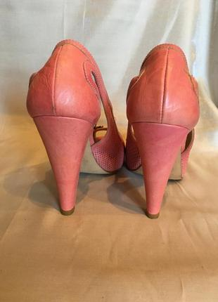 Премиум-бренд. розовые-коралловые  туфли с открытым носком, платформа,  высокий каблук, кожа3 фото