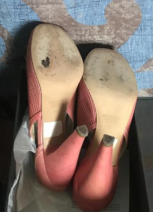 Премиум-бренд. розовые-коралловые  туфли с открытым носком, платформа,  высокий каблук, кожа5 фото