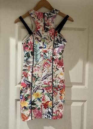 Яркое платье с тропическим принтом bershka размер m2 фото
