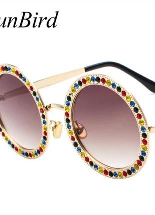Брендовые круглые дизайнерские очки с камнями