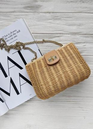 Соломенная плетеная бежевая коричневая мини сумка сумочка на цепочке клатч