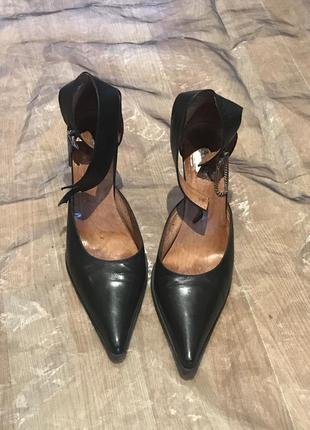 Damex  оригинал. туфли с ремешком вокруг щиколотки, длинный носок, кожа винтаж