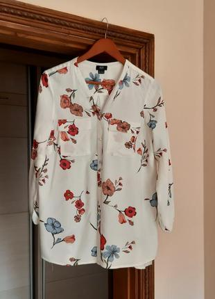 Красивая рубашка сорочка блуза в цветы свободного кроя