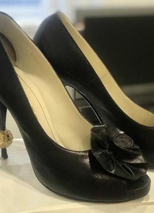 Туфли -лодочки шпилька fellini