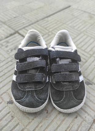Кеды adidas , детские стильные кроссовки! оригинал!!