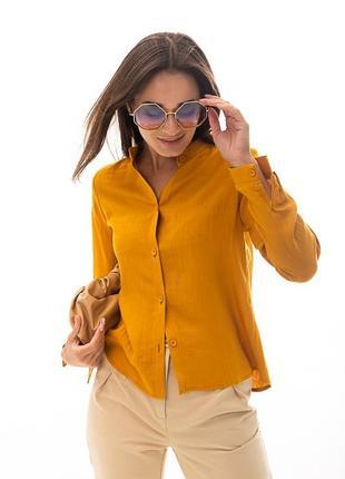 Лляна сорочка гірчичного кольору з коміром-стійкою