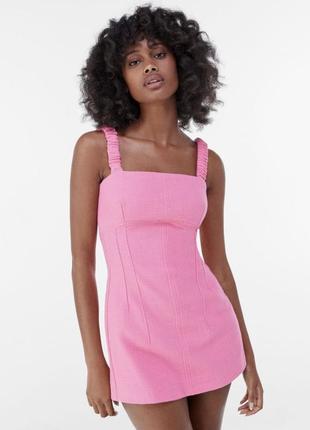 Розовый комбинезон платье