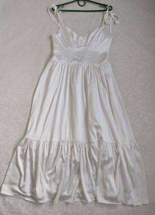 Атласное  белое платье на бретелях\сукня атласна біла.