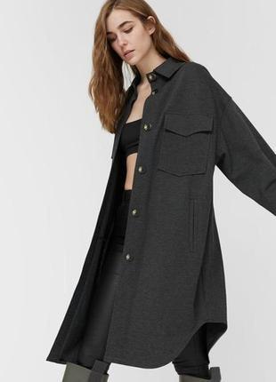Удлиненная куртка-рубашка stradivarius