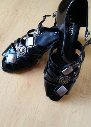 Модные черные туфли из лакированной кожи от hotter comfort concept. англия