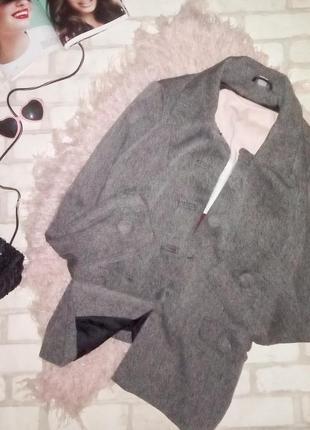 Стильный базовый  фактурный пиджак-пальто
