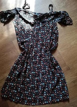 Платье сарафан мини чёрное в мелкий цветочек новое открытые плечи f&f