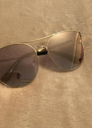 Зеркальные солнцезащитные очки возможен торг