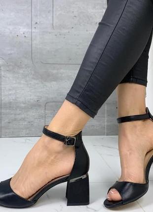 Черные босоножки каблук  37 38 40 размер