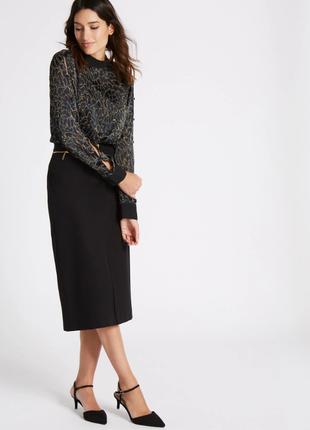 Легкая блуза с красивыми рукавами на пуговицах