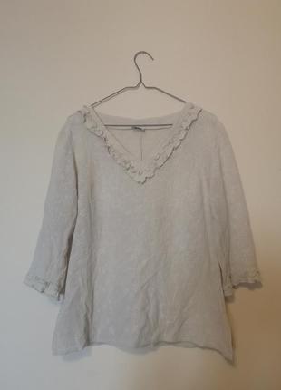 Блузка кремового кольору