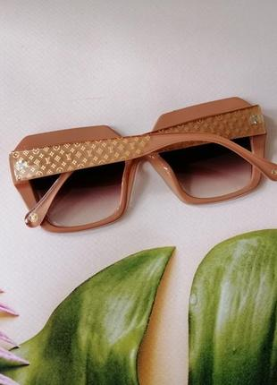 Эксклюзивные брендовые солнцезащитные женские очки 2021 крутые!