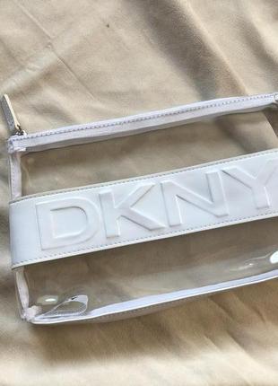 Фирменная прозрачная косметичка  от dkny