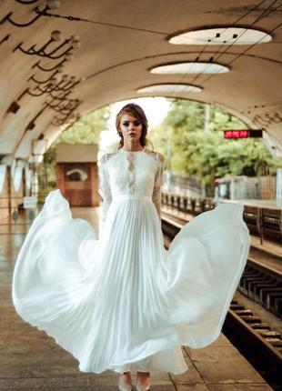Роскошное свадебное платье в стиле бохо